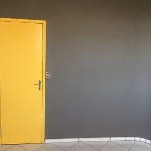 Como pintar porta