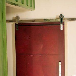 Como adesivar porta
